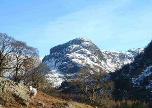 1024px-Eagle_Crag_from_Stonethwaite_Valley